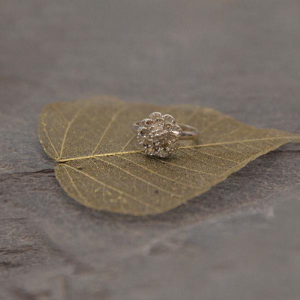 Zinnia flower ring