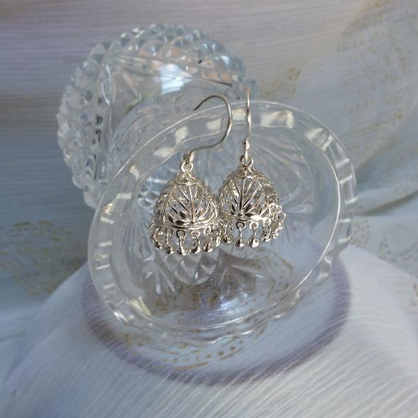 Hook Pinjada earrings